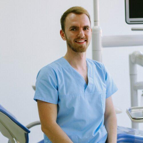 Dr. Fleischer Gellért János fogorvos